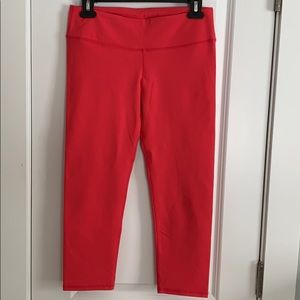 Fabletics Hot Pink Cropped Leggings